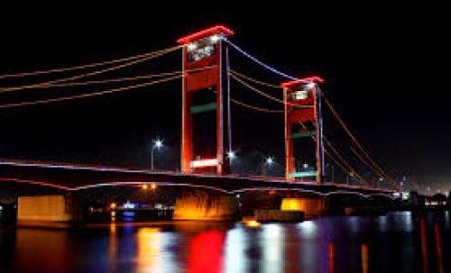 Gubernur : Jembatan Ampera Sebaiknya Menggunakan Lampu LED