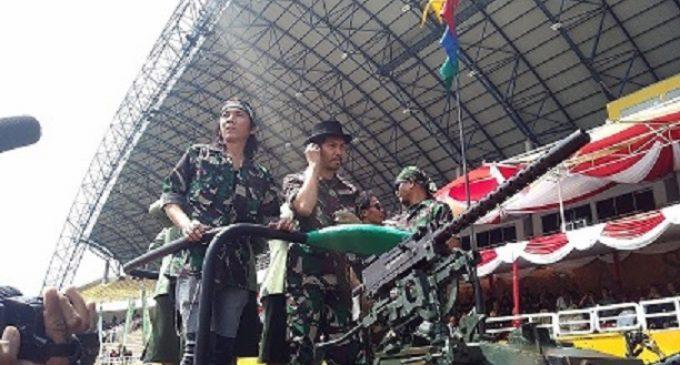 Slank Naik Alutsista TNI Menuju Panggung