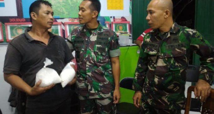 Satgas Yonif 144/Jaya Yudha Gagalkan Penyeludupan Sabu