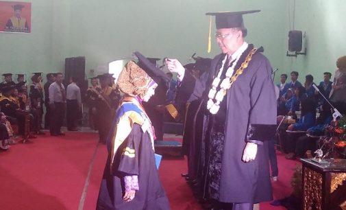 UPGRI Palembang Wisuda 361 Mahasiswa