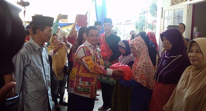 Kedubes Malaysia Bantu 500 Paket Sembako Dan 10 Gerobak Usaha