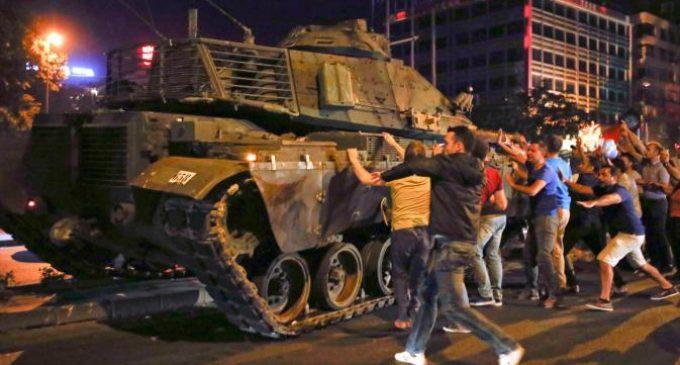Militer Turki Lancarkan Upaya Kudeta