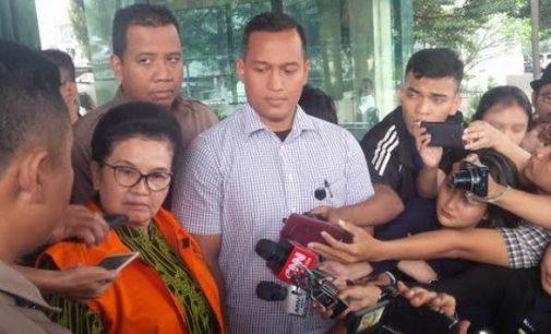 Siti Fadilah Supari Resmi Ditahan KPK