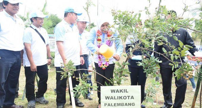Wawako Dan Kadishut Tanam Pohon Dan Tebar Benih Ikan