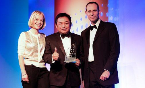 Direktur Utama Telkomsel Raih Penghargaan WCA CEO of The Year 2016