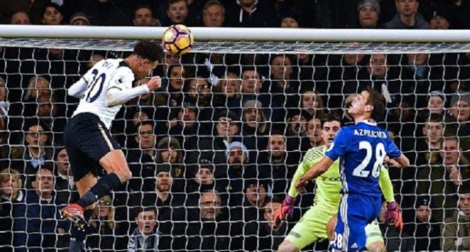 Chelsea Tumbang di White Hart Lane
