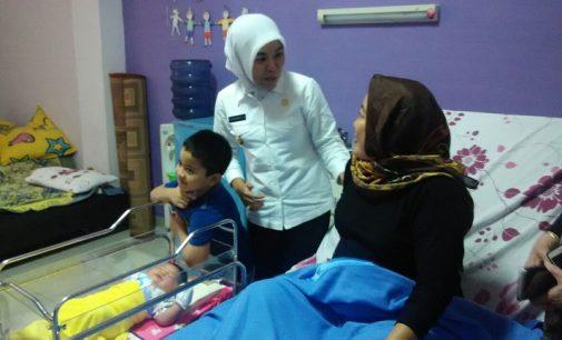 Finda Takjub Perjuangan Fitrianti Lahirkan Bayi Jumbo 5,1 kg
