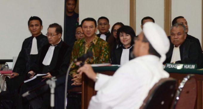 Habib Rizieq Enggan Salami Ahok di Persidangan