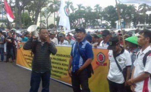 Ratusan Abang Becak Minta Dilibatkan Dalam Asian Games