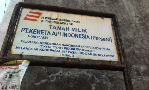 Pemilik Bangunan Pinggiran Rel klaim Miliki Sertifikat