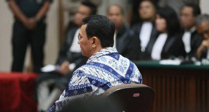 Hakim Vonis Ahok Dua Tahun Penjara