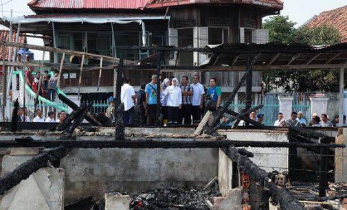 Korban Kebakaran di Sungai Bayas Dapat 10 Paket Bantuan