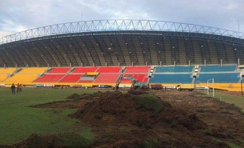 Rumput Stadion Gelora Sriwijaya Mulai Dibongkar