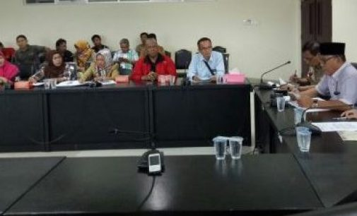 Di PHK Sepihak, Mantan Karyawan Hotel Sandjaya Adukan Nasibnya Ke DPRD Palembang