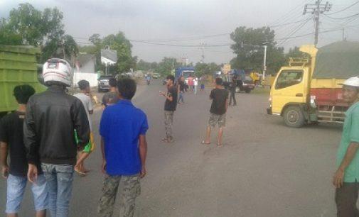 Armada Angkutan Mobil Batu Bara Terpaksa Memutar Balik