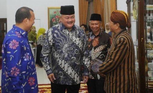 Gubernur Undang Masyarakat Daerah Kunjungi JSC