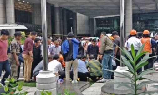 Puluhan Mahasiswa UBD Palembang Jadi Korban Selasar BEI Ambruk