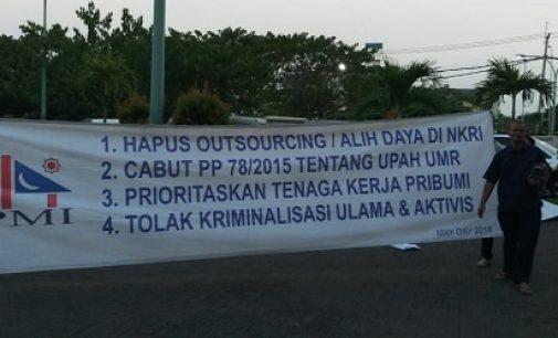 Pesta Keprihatinan di Hari Buruh, Cabut UU Outsourcing