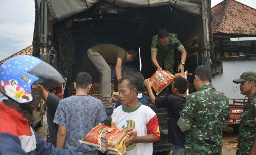 Kodam II/Sriwijaya Beri Bantuan Korban Kebakaran 15 Ulu