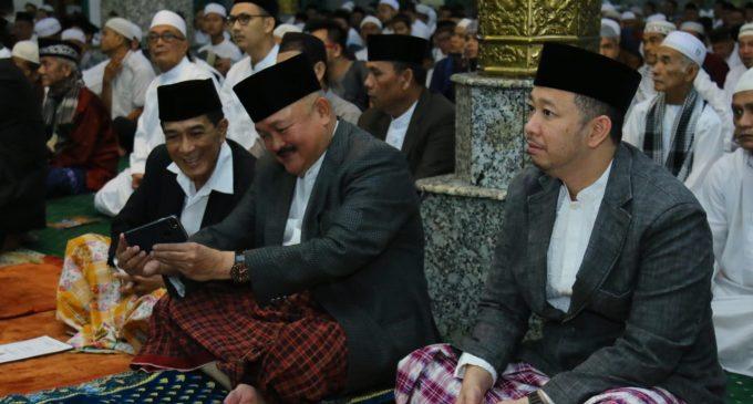 Sholat Idul Fitri di Masjid Agung Palembang