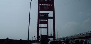 Jam Analog Giant Size Telah Terpasang di Tower Ampera
