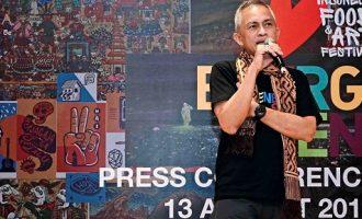 Plaza Indonesia Pamerkan Karya Seni Terbaik Seniman Indonesia
