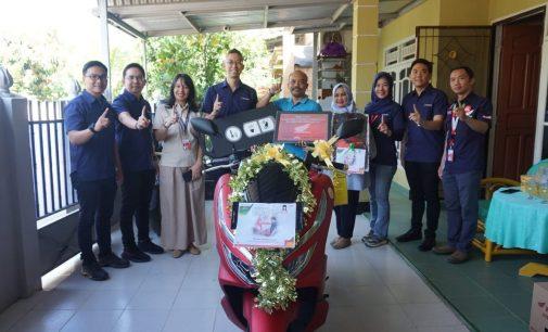 Top Manajemen Astra Motor Sumsel Berikan Kejutan Konsumen di Hari Pelanggan