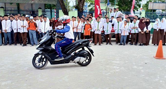 Safety Riding Astra Motor Sumsel Kampanyekan tagline #Cari_Aman di SMA Nahdlatul Ulama