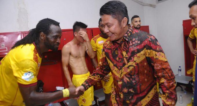 Gubernur Sumsel Masuk Ruang Ganti, Sriwijaya FC Terancam Denda