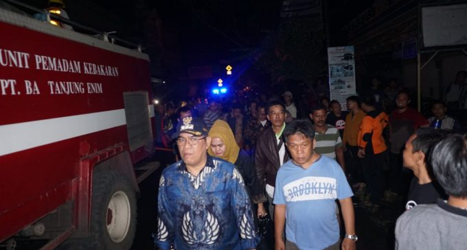 Viral Bupati Muara Enim Langsung Tinjau Lokasi Kebakaran