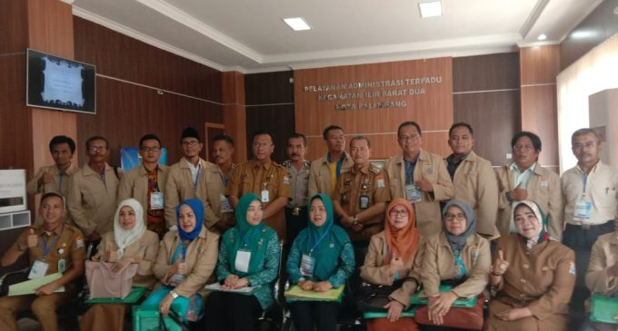 Tim Penilai Dengarkan Paparan Program-program Keberhasilan Camat Ilir Barat II