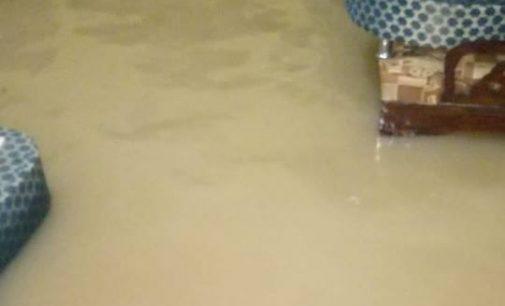 Luapan Sungai Aur Rendam Beberapa Rumah di Jalan Kartini