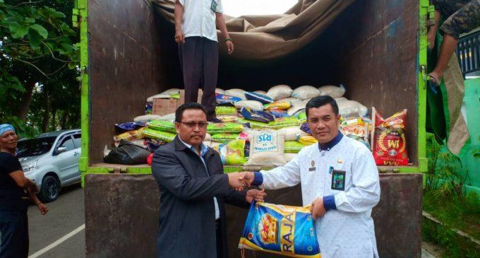 Kemenag Sumsel Serahkan Bantuan 9 Ton Beras untuk Korban Tsunami