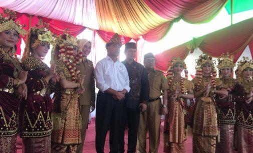 Dihadapan Para Guru Menteri Muhadjir Berjanji Angkat Guru Honorer Jadi ASN Secara Bertahap