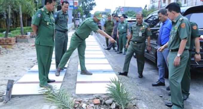 Pemkot Prabumulih Percantik Trotoar Jalan Sudirman