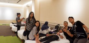 Rayakan Hari Jadi Yang Pertama, The Zuri Hotel Palembang Helat Baksos Donor Darah