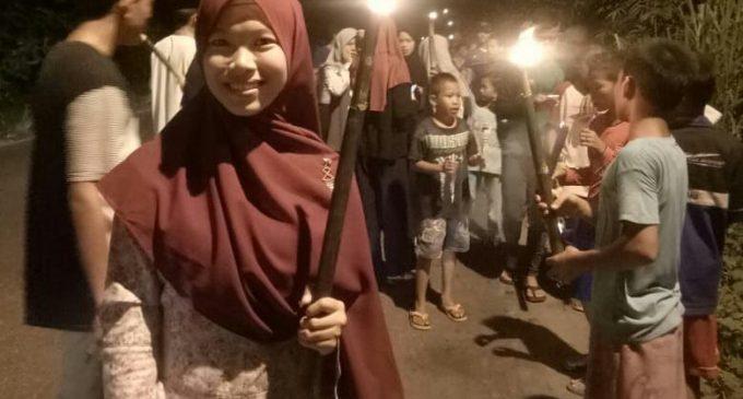 Sambut Ramadhan, Pemuda Karang Taruna – Irma Darusalam Pawai Obor Keliling Desa Kepur