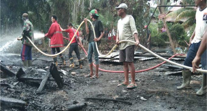Api Lumat Satu Unit Gudang Pabrik Daur Ulang