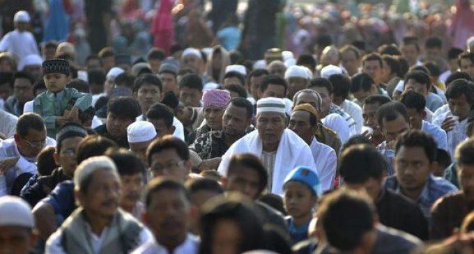 Ratusan Warga Pontianak Laksanakan Sholat Idul Fitri Hari Ini