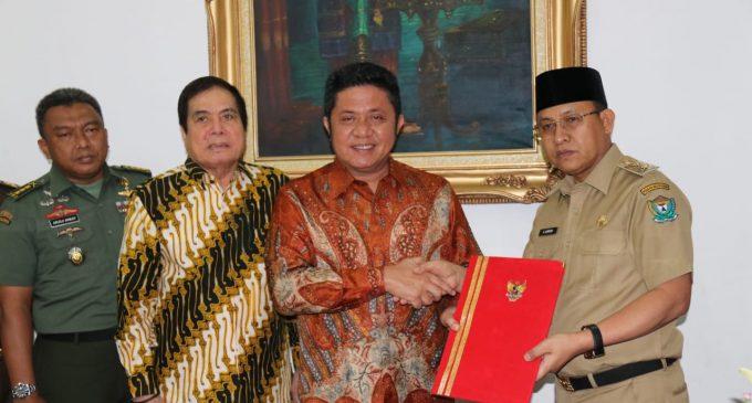 Gubernur Serahkan SK Plt Bupati Muara Enim