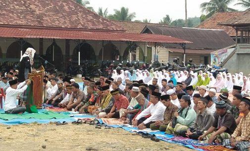 Polsek Tanjung Agung dan Masyarakat Gelar Sholat Istisqo