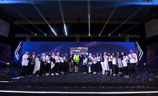 7 Salesman Terbaik Sumatera Selatan Diajak Tour ke Malaysia