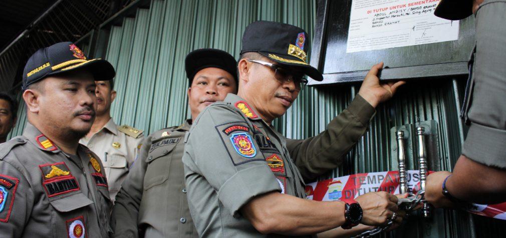 Tolak Gunakan E-Tax, Bakso Granat Mas Aziz Disegel BPPD Palembang