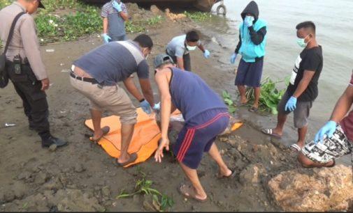 "Mayat Tanpa Busana Ditemukan ""Ngambang"" di Tepian Sungai Musi"