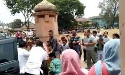 Menko Polhukam Wiranto Diserang