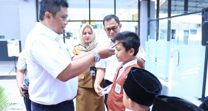 Baksos Rail Clinic PT KAI Divre III Berikan Pengobatan Gratis dan Kacamata Untuk Siswa SD