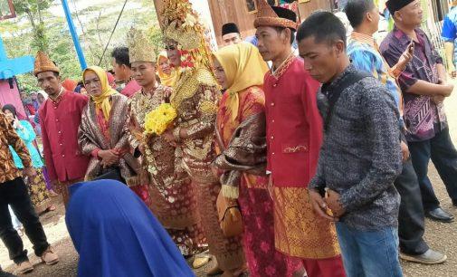 Keluarga Besar IWO Muara Enim Hadiri Undangan Pernikahan Anak Dari Ansori Anggota IWO Muara Enim