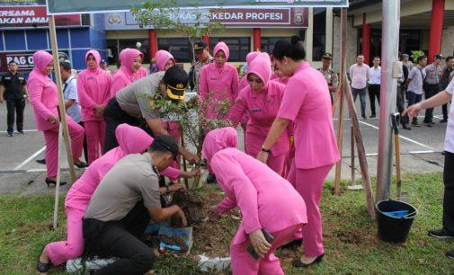 Polrestabes Palembang Tebar Bibit Pohon