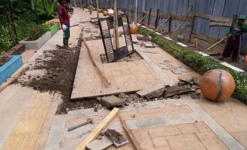 Kualitas Pengerjaan Rendah, Lantai Pedestrian Muara Enim Amblas