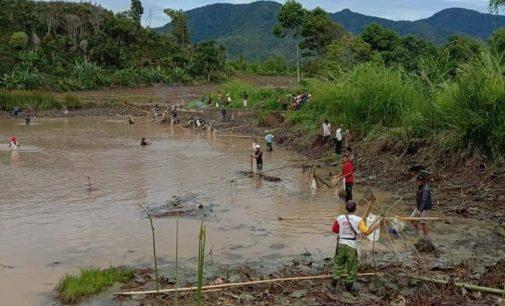 Rehab Tebat Dalam, Tak Berhasil Swadaya Kades Janjikan Dana Desa